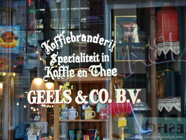 Nostalgie: Geels koffie en theewinkel, Warmoesstraat, Amsterdam